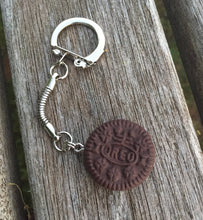 Load image into Gallery viewer, Mini Oreo Cookie Keyring