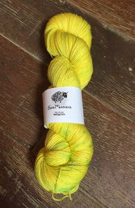 SEXY SINGLES - Superwash Merino Nylon Platinum Sock Yarn, 100g/3.5oz, Toxic