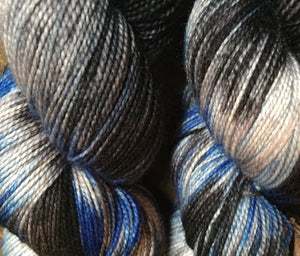 Superwash Merino Nylon Titanium Sock Yarn, 100g/3.5oz, Leather and Jeans
