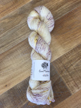 Load image into Gallery viewer, Superwash Merino Single Ply Fingering Yarn, 100g/3.5oz, Lavender Blonde