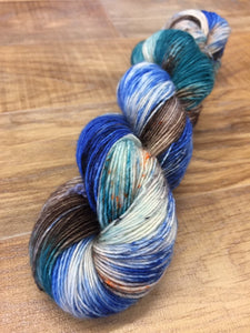 Superwash Merino Single Ply Fingering Yarn, 100g/3.5oz, Victorian Creeper