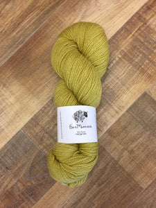 Non Superwash, No Nylon Corriedale Sock Yarn, 100g/3.5oz, Chicken Licken