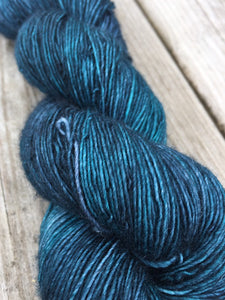 Superwash Merino Single Ply Fingering Yarn, 100g/3.5oz, Malice Through The Looking Glass