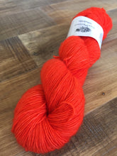 Load image into Gallery viewer, Superwash Merino Single Ply Fingering Yarn, 100g/3.5oz, Semi Solid, Magma