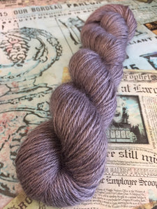 Non Superwash Wensleydale British Wool, DK Light Worsted Yarn, 100g/3.5oz, Dorian