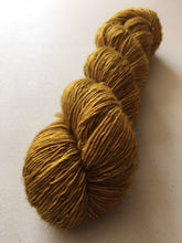 Load image into Gallery viewer, Superwash Merino Single Ply Fingering Yarn, 100g/3.5oz, Gold Rush