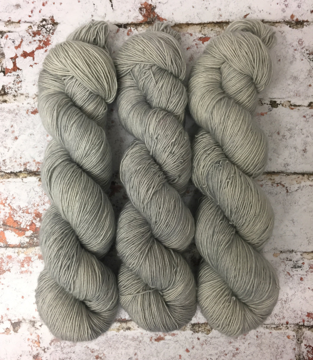 Superwash Merino Single Ply Fingering Yarn, 100g/3.5oz, Misty Day