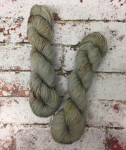 Load image into Gallery viewer, Superwash Bluefaced Leicester Nylon Ultimate Sock Yarn, 100g/3.5oz, 1000 Doves