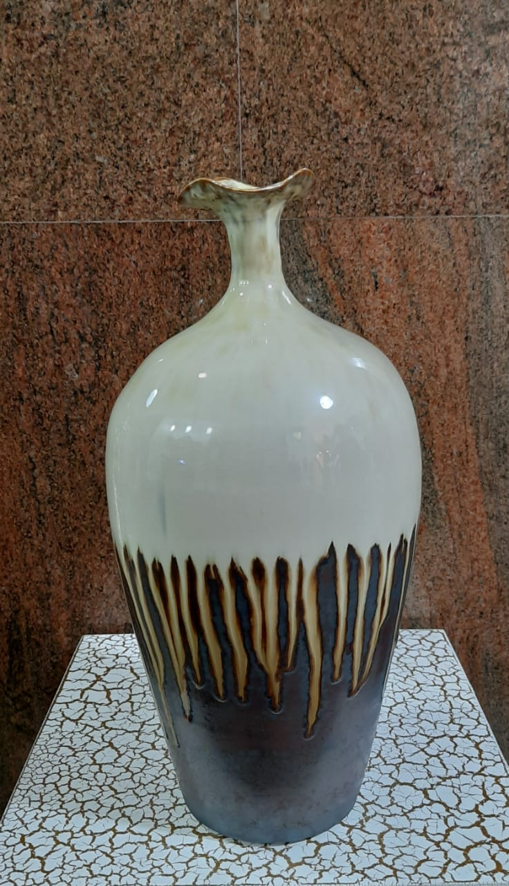 33cm Glazed Porcelain Vase (Authentic) - Green Gardens Mihiliya (Pvt) Ltd