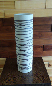 35cm Porcelain Vase (Authentic) - Green Gardens Mihiliya (Pvt) Ltd