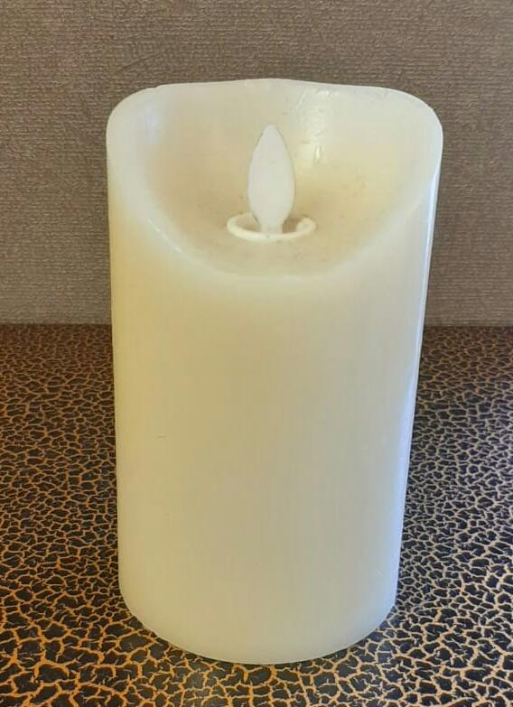 12.5cm Real Wax Candle with moving Wick (Battery operated) - Green Gardens Mihiliya (Pvt) Ltd