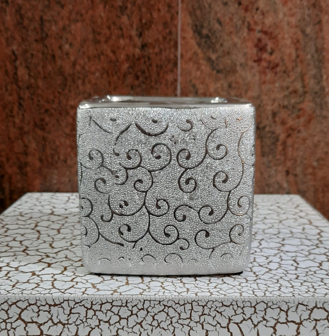 10cm Ceramic Square Base - Green Gardens Mihiliya (Pvt) Ltd