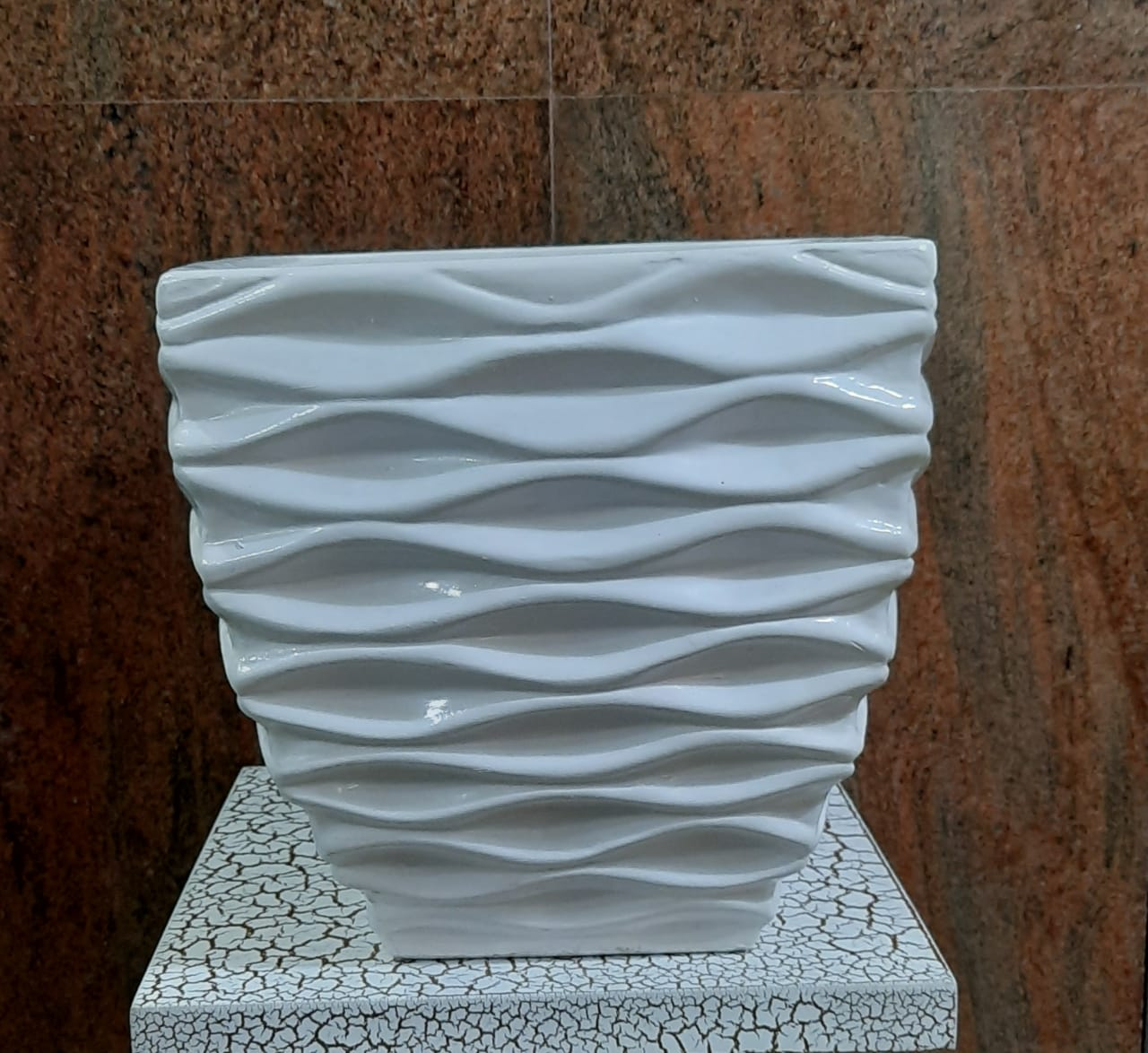 25cm Square Ceramic Base - Green Gardens Mihiliya (Pvt) Ltd