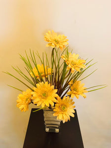 Artificial Flower Arrangement (H:50cm W:35cm) - Green Gardens Mihiliya (Pvt) Ltd