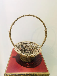 Kithul Basket with Handle (h: 33cm, w: 26cm) - Green Gardens Mihiliya (Pvt) Ltd