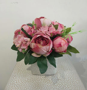 Artificial Flower Arrangement (h: 25cm ,w:23cm) - Green Gardens Mihiliya (Pvt) Ltd