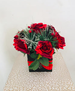 Artificial Flower Arrangement (h:25cm w:20cm)
