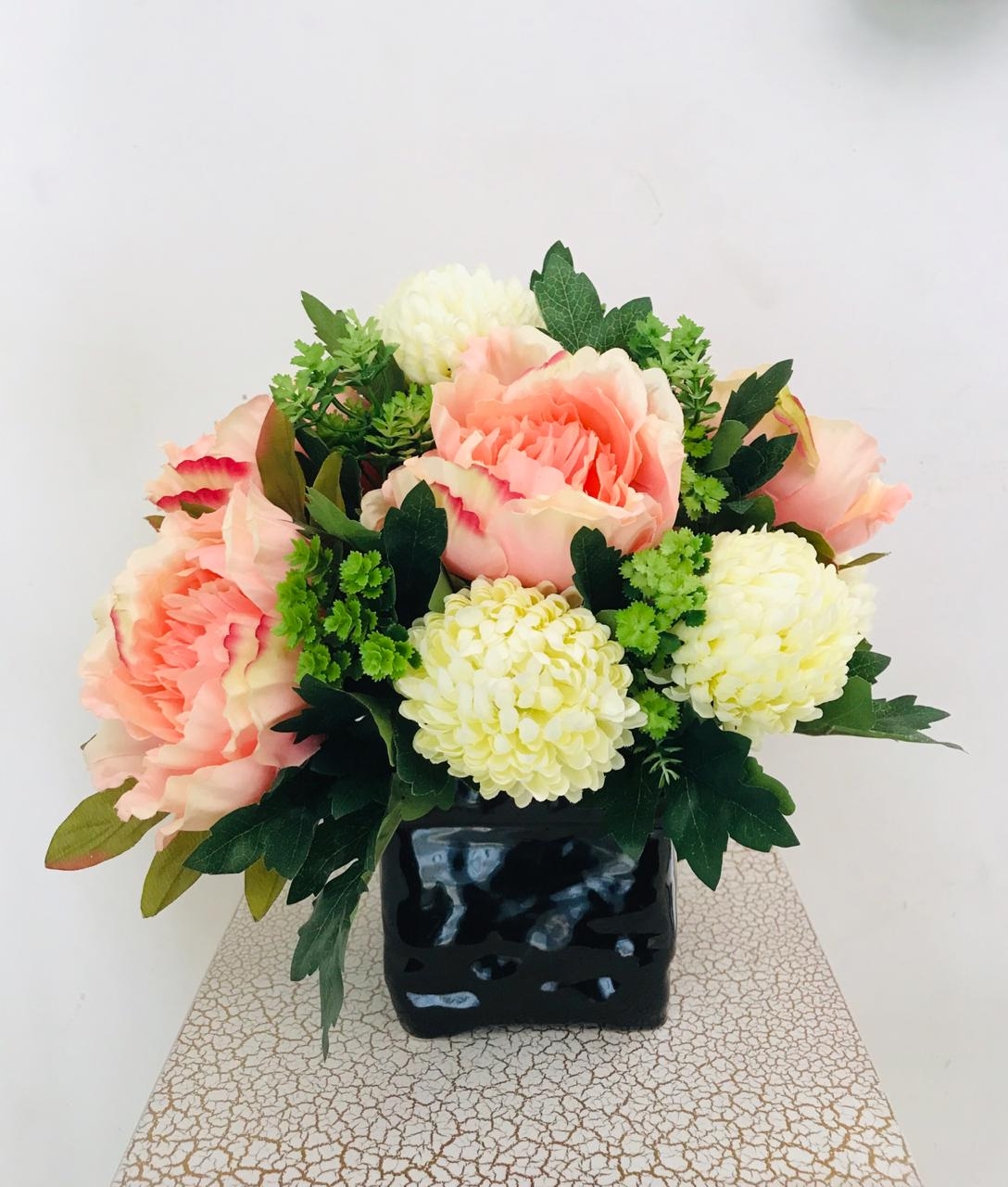 Artificial Flower Arrangement (h:30cm w:29cm)