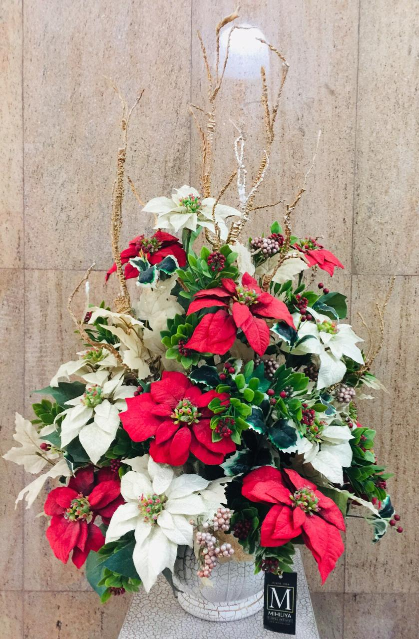 Artificial X'Mas Arrangement (h:77cm, w:50cm)