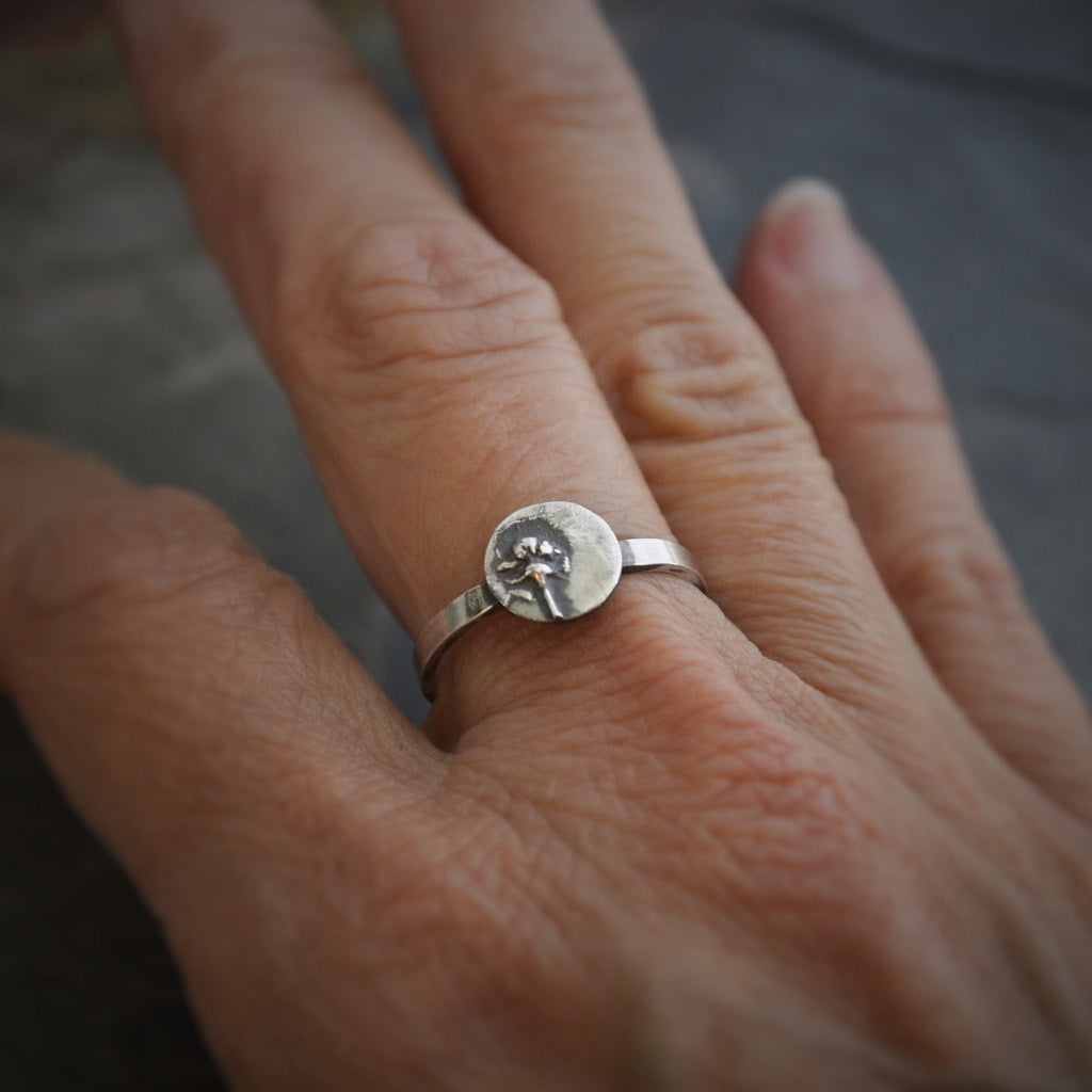 Stackable Ring, Sterling Silver Whorled Milkweed in Size 7 - Gayle Dowell