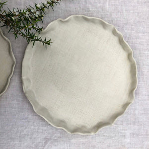 Rustic Ruffle Plates - White Woven -