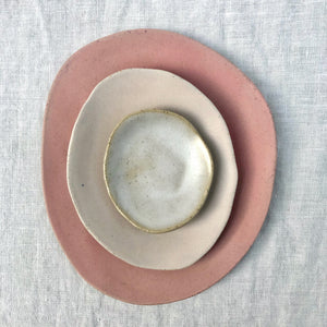 Hues Plates in Deep Blush