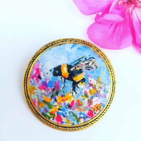 Les Papillons bee brooch