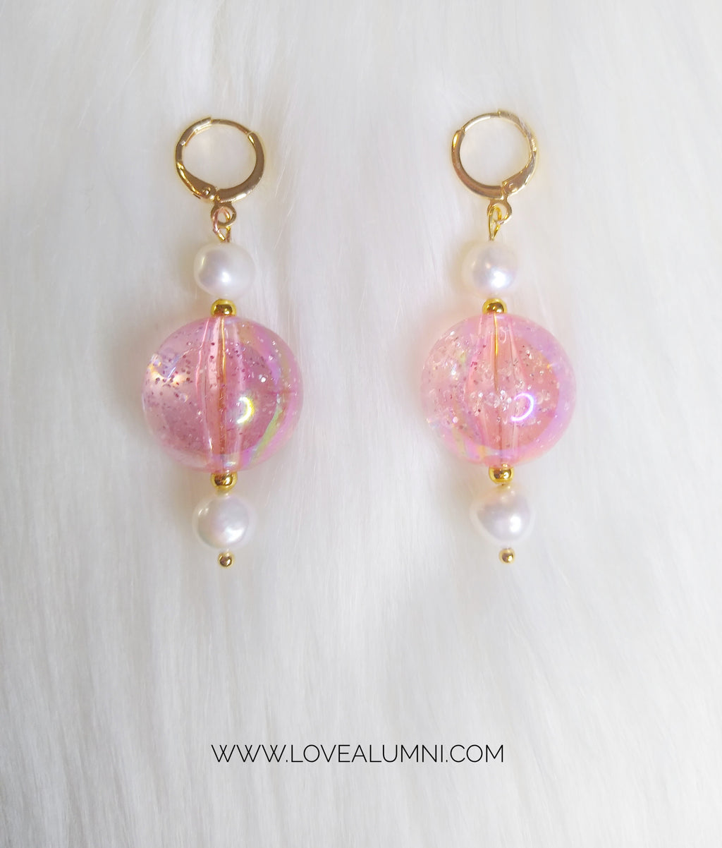Glitterella Freshwater Pearl Earrings In Powder Pink