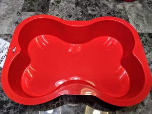 Silicone Bone shaped pan, allows you to treat your pup in a variety of ways.