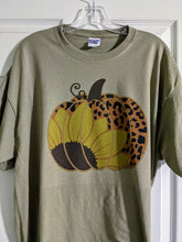 Load image into Gallery viewer, Leopard Print Pumpkin Unisex T-Shirt