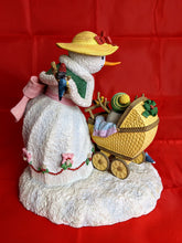 Load image into Gallery viewer, Snowman Family Collectible Figurine