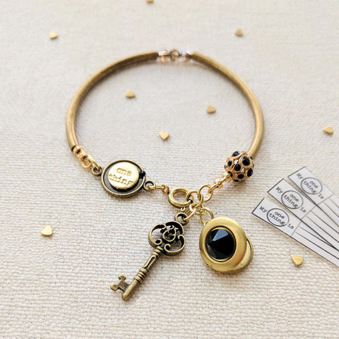 """LOLA"" LOCKET & KEY CHARM BANGLE"