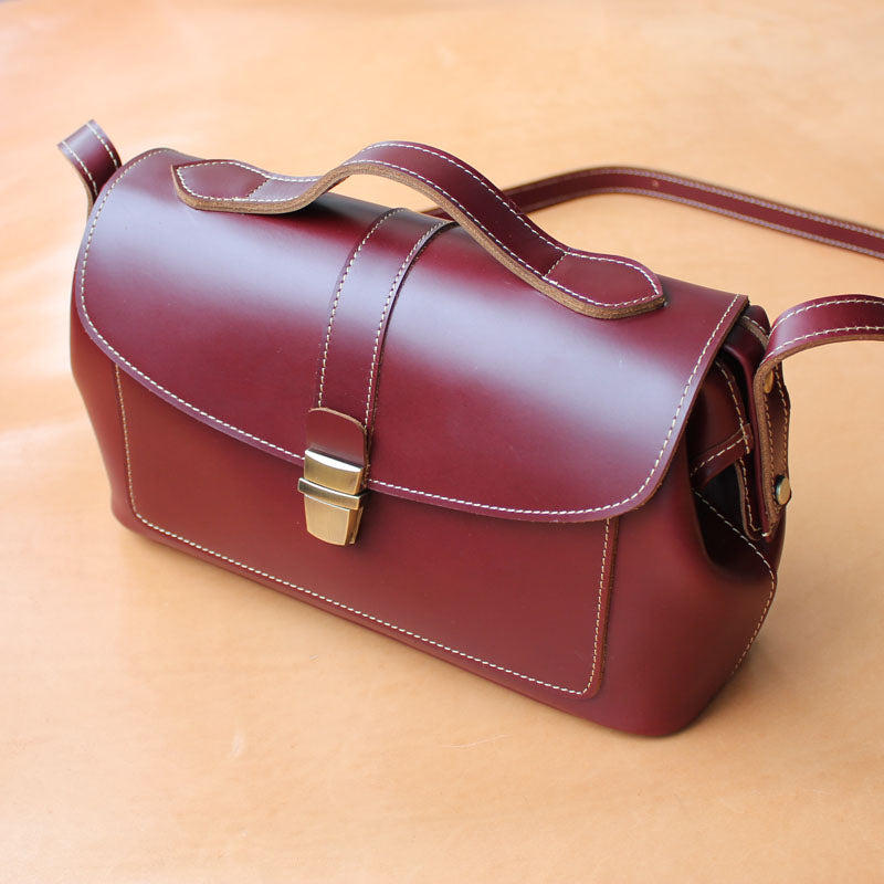 Handmade Womens Red Leather Doctor Shoulder Purses Claret Doctor Crossbody Purses for Women