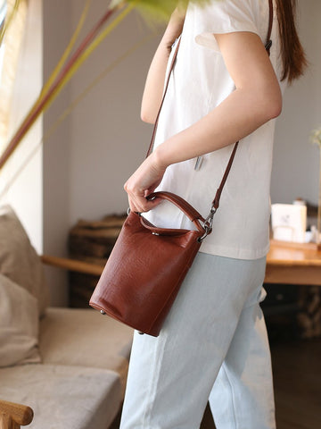 Small Womens Brown Leather Bucket Handbag Vintage Shoulder Barrel Purses for Ladies