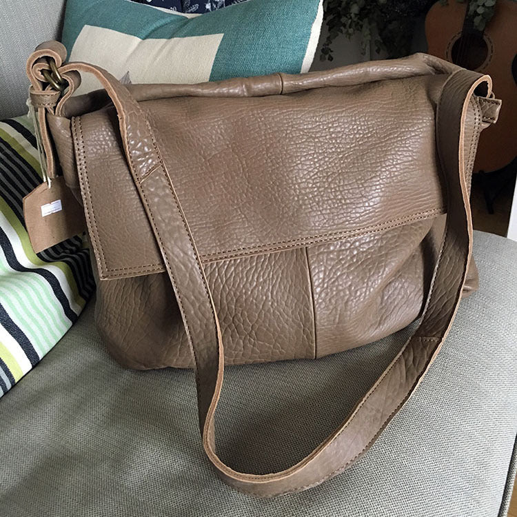 Vintage WOMENs LEATHER Large Messenger Bag Shoulder Bag Purse FOR WOMEN