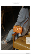 Vintage Womens Tan Leather Doctor Handbags Side Purses Doctor Purses for Women