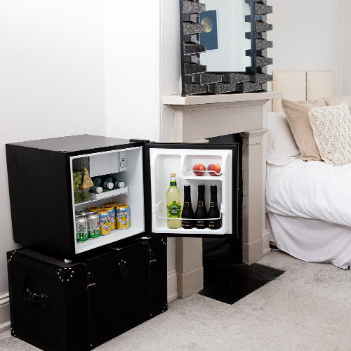Space saving table top mini fridge