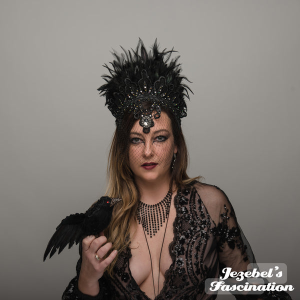 Dark Queen Black Feather Succubus Magic Raven Crown WGT Gothic Romantic Veil Samhain Oracle Mystical Shaman Sorcerer Headdress Queen Vampire Carnival Costume Witch Headpiece Theater Festival Black Magick Gothique Romantique Boofer Countess Fortune Teller