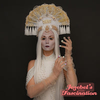 White Golden Pearl Ethereal Headdress Carnival Masquerade Festival Art Nouveau Mystical Priestess Crown Burlesque Theater Romantic Hand Made Headwear Fantasy Drag Queen Dance Goddess Empress Headpiece Costume Wedding Unique Dragon Alien Cosplay Geisha