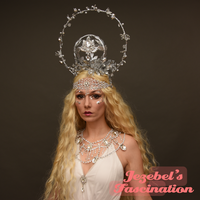 Silver Halo Fantasy Magical Moon Crown Mage Elf Fairy Faerie Headpiece Wiccan Priestess Art Nouveau Costume Headdress Forehead Chain Celestial Winter Shaman Woodland White Witch Mystical Heirophant Empress Goddess Romantic Fortune Teller Globe Orb Vine