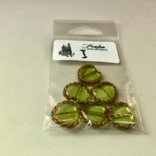 Load image into Gallery viewer, Green Heart Table Cut Window Czech Beads