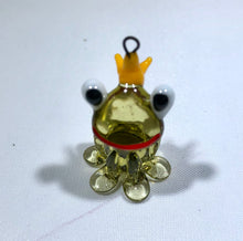 Load image into Gallery viewer, Czech Lampwork Bead Toad with Crown Bead