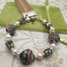 Load image into Gallery viewer, Lampwork Glass and Freshwater Pearl Bracelet