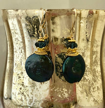 Load image into Gallery viewer, Large Green Coin Pearl Earrings
