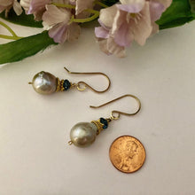 Load image into Gallery viewer, Baroque Pearl Earrings