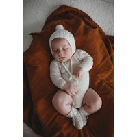 Load image into Gallery viewer, Ivory Merino Wool Bonnet & Booties