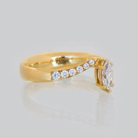 Mona Engagement Diamond Ring