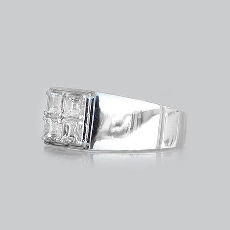 Annabel Signet Diamond Ring