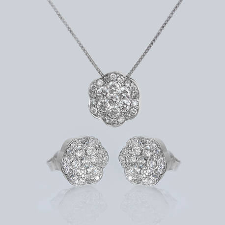Scarlett Pendant & Earrings Set With Diamonds