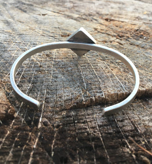 Faceted Spiderweb Hubei & Sterling Silver Cuff